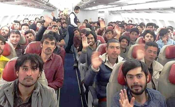 afganistan kampoul aerodromio 2021 02